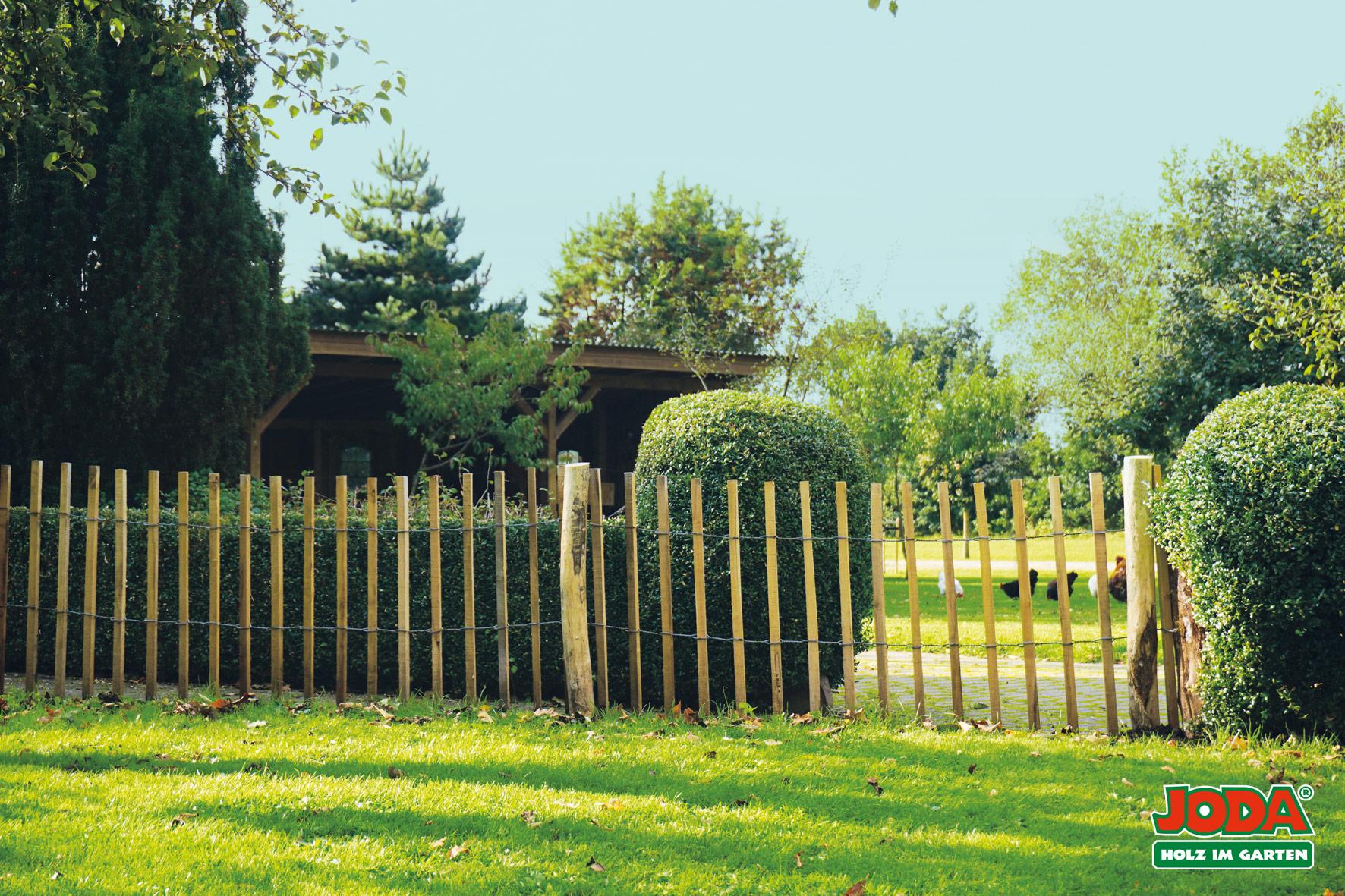 rustik rollzaun robinie abstand staketen 7 8 cm 5 0 90 1 20 1 50 m holz wohnen. Black Bedroom Furniture Sets. Home Design Ideas